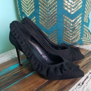 🌼SALE🌼 BCBGeneration Black Ruffle Heels